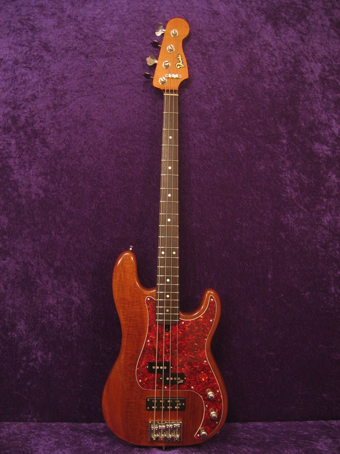 Traditional style 4 string bass